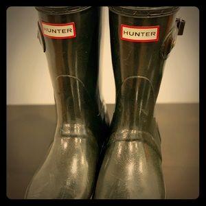 Hunter midi rain boots.